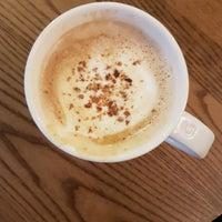 Das Foto wurde bei Starbucks von Joanna am 12/11/2017 aufgenommen