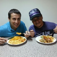 Photo taken at marisqueria y restaurante Gemelo by Wagner C. on 5/25/2013