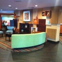 Photo taken at Holiday Inn Express Nashville W I40/Whitebridge Rd by Suzanne E J. on 12/30/2014