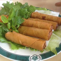 Foto scattata a Pho Ca Dao da James V. il 12/17/2012