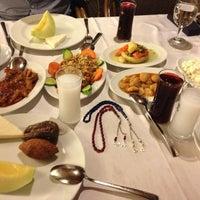 Foto tomada en Köz Kanat Restaurant por Yusuf İ. el 4/25/2013