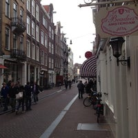 Photo taken at 9 Straatjes by Hans B. on 9/16/2012