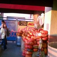 Foto tomada en Trader Joe's por Miriam W. el 10/31/2011