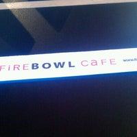 Foto scattata a Fire Bowl Cafe da Erik P. il 10/13/2011