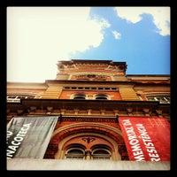 Photo taken at Estação Pinacoteca by Roberto F. on 5/26/2012