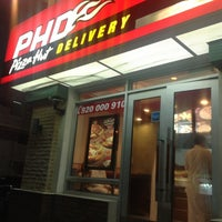 Photo taken at Pizza Hut by Ali M. on 5/25/2013