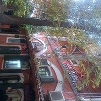 Foto scattata a Atilla Kar Jewellery da Cihan A. il 11/15/2012