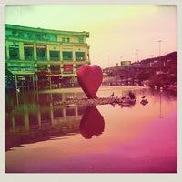 2/4/2013 tarihinde Nurhan D.ziyaretçi tarafından Via Port'de çekilen fotoğraf