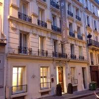 Photo taken at Hôtel Royal Magda Etoile by murolovebeer on 1/26/2014