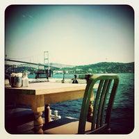 Das Foto wurde bei The House Café von Chris W. am 9/20/2012 aufgenommen