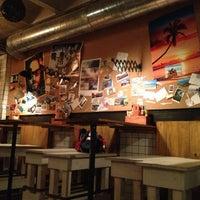 11/12/2012にMariano H.がMakamaka Beach Burger Caféで撮った写真