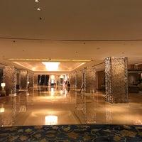 Photo taken at Shangri-la Hotel by syg, ilker... on 6/11/2017