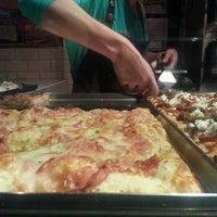 Photo taken at Pizza Al Cuadrado by Villaraco on 2/22/2013