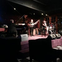 Foto tirada no(a) BlackCat Jazz & Blues Club por Rahagung S. em 2/2/2013