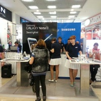 Photo taken at Samsung Brand Store by Владимир К. on 12/2/2012