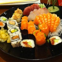 Foto tirada no(a) Nahoe Sushi por Bruno F. em 1/12/2013