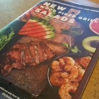 Photo taken at Applebee's Neighborhood Grill & Bar by Richo B. on 7/30/2016