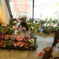 5/12/2013 tarihinde Livvy A .ziyaretçi tarafından Whole Foods Market'de çekilen fotoğraf