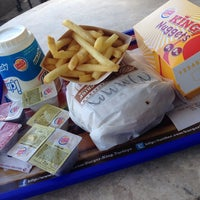 Photo taken at Burger King by Yağız U. on 7/18/2014