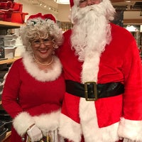 Photo taken at Williams-Sonoma by Patricia C. on 12/7/2016