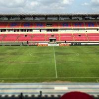 Photo taken at Estadio Rommel Fernández by Rolando G. on 3/26/2013