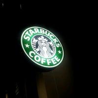 Photo taken at Starbucks by Renzo R. on 9/16/2012