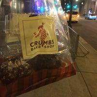 Das Foto wurde bei Crumbs Bake Shop von OMAR am 12/7/2013 aufgenommen