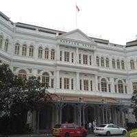Photo taken at Raffles Hotel by Gen on 8/11/2013