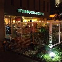 Photo taken at Starbucks by Paulo C. on 9/25/2013