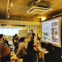 Photo taken at ワーキングラウンジEDITORY 神保店 by Koichiro E. on 10/3/2015