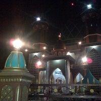Photo taken at Masjid AL Karomah by Yuslivianur F. on 7/10/2013