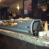 Foto tomada en Sushi Roll por Héctor A. el 12/13/2012