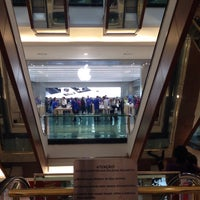 Photo taken at Apple Morumbi by Luis G. on 7/2/2015