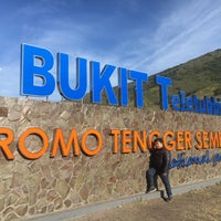 Photo taken at Bukit Teletubbies by Nivho L. on 10/22/2017