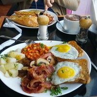 Photo taken at Cafe Melba by Felipe d. on 1/28/2013