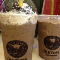 Photo taken at OldTown White Coffee by Jeff Q. on 1/21/2013