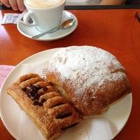 รูปภาพถ่ายที่ Il Caffe Mastai vicino alla Stazione โดย Annalisa S. เมื่อ 8/4/2013