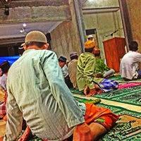 Photo taken at Masjid Al-Ihsan by Armudha I. on 7/27/2013