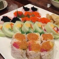 Foto tomada en Takei Sushi por Cindy R. el 11/21/2016