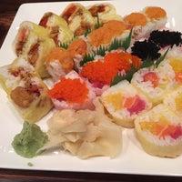 Foto tomada en Takei Sushi por Cindy R. el 12/31/2015