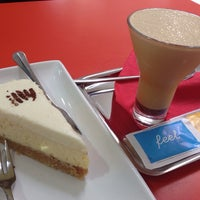 Снимок сделан в Café Café пользователем Dmitriy L. 6/1/2014