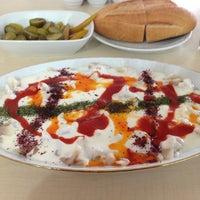 Photo taken at Öz Kafeterya Kayseri Mantıcısı by Sunay A. on 5/26/2013