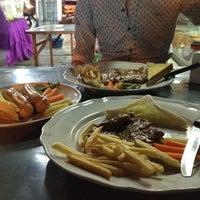 Photo taken at Steak ลุงหนวด ซอยประดิพัทธิ์ 18 by luphee c. on 9/19/2012