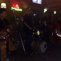 Photo taken at Malvadeza Pub by Gleice C. on 12/29/2013