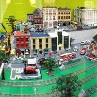 Снимок сделан в GameBrick. музей-выставка моделей из кубиков LEGO пользователем Marina S. 9/21/2013