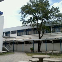 Photo taken at Escola de Engenharia - UFF by Juscelino C. on 1/26/2013