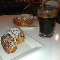 Das Foto wurde bei Caffe Furbo von Philip R. am 10/14/2012 aufgenommen