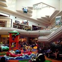 5/25/2013 tarihinde Abdullah S.ziyaretçi tarafından Cherry Creek Shopping Center'de çekilen fotoğraf