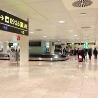 Foto tomada en Terminal 1 por Denis E. el 3/18/2013
