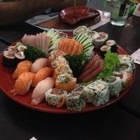 Foto tirada no(a) Seu Miyagi Sushi Lounge por Adriana M. em 3/24/2013